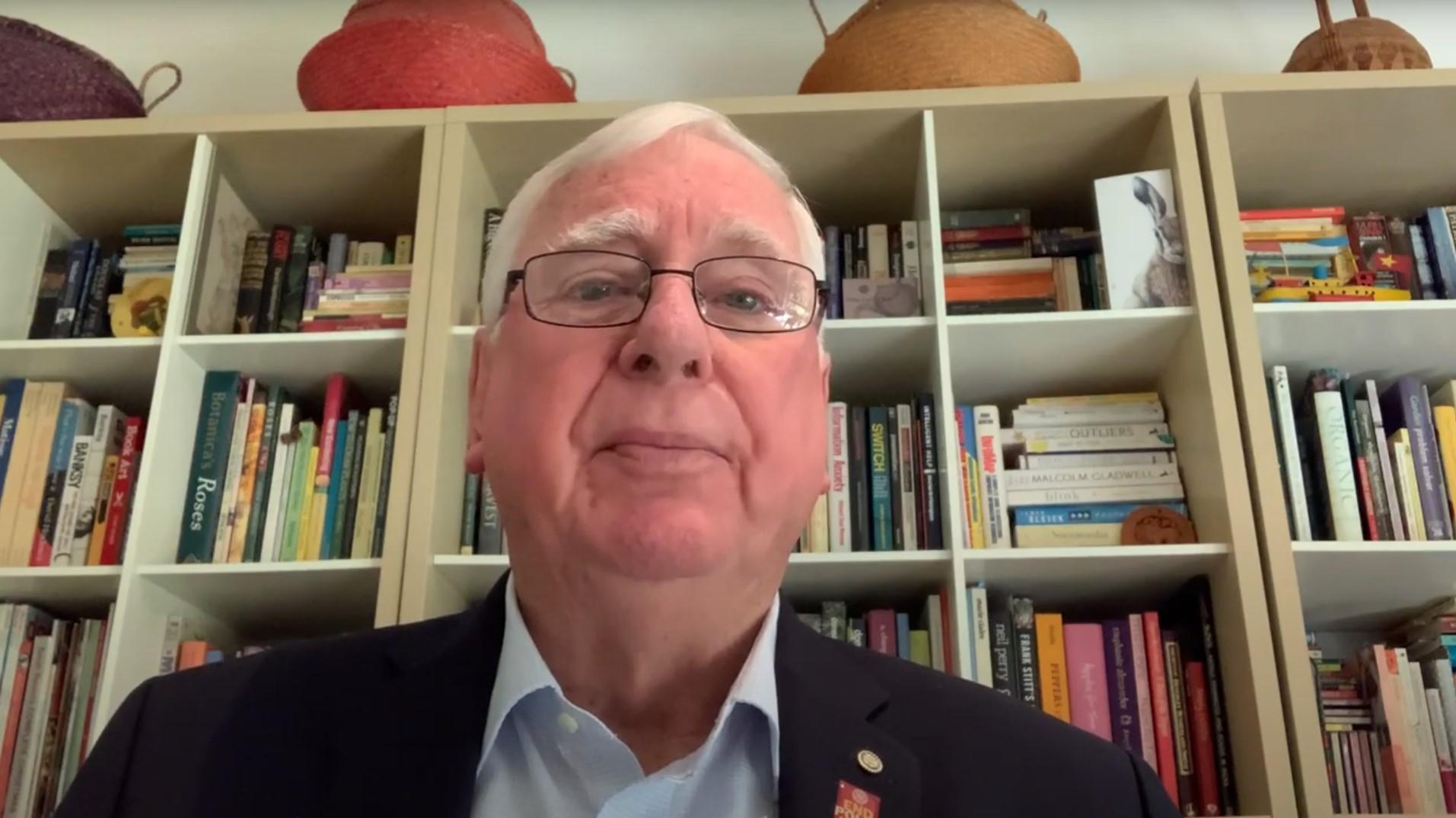 Past Rotary International President Ian Riseley honours a Rotary hero